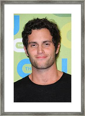 Penn Badgley At Arrivals For The Cw Framed Print by Everett