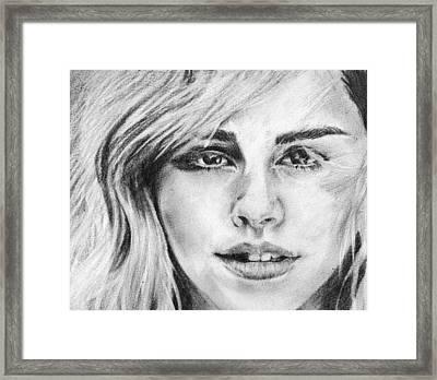 Portrait De Emma Watson Framed Print by Shorf  Afza