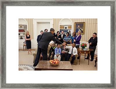 President Barack Obama Greets Students Framed Print by Everett