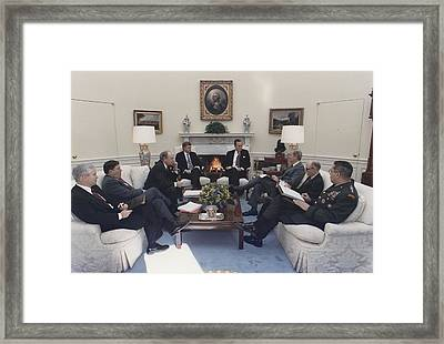 President George Bush Meeting With Key Framed Print by Everett