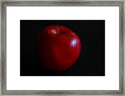Red Apple Framed Print by Dragan Kudjerski