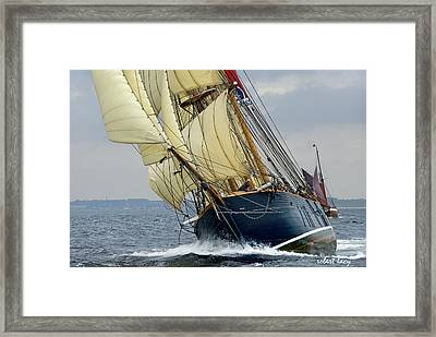 Riding The Wind Framed Print by Robert Lacy
