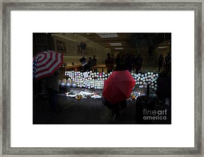 Rip Steve Jobs . October 5 2011 . San Francisco Apple Store Memorial 7dimg8558.highlighted Framed Print by Wingsdomain Art and Photography