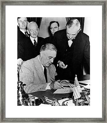Roosevelt Signing Declaration Of War Framed Print by Photo Researchers