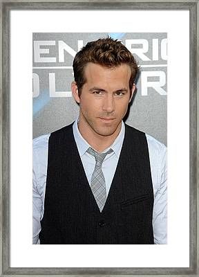 Ryan Reynolds At Arrivals For L.a Framed Print by Everett