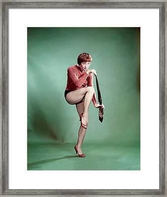 Shirley Maclaine, 1958 Framed Print by Everett