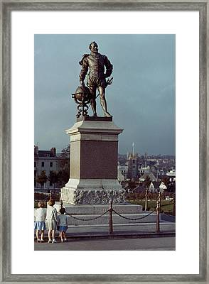 Sir Francis Drake Framed Print by Granger