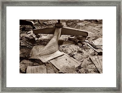 Songs Of Silence Framed Print by Luke Moore