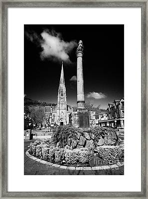 St Kessogs Church Visit Scotland Tourist Centre And War Memorial In Ancaster Square In The Picturesq Framed Print by Joe Fox
