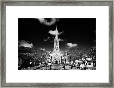 st kessogs church visit scotland tourist centre in the picturesque small town of Callander scotland  Framed Print by Joe Fox