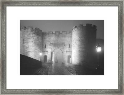 Stirling Scotland - Now That's A Castle Framed Print by Christine Till
