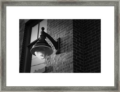 Streetlamp Framed Print by Eric Gendron