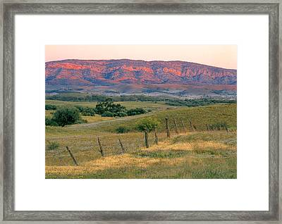 Sunset Glow On Flinders Ranges In Moralana Drive, South Australia Framed Print by Peter Walton Photography