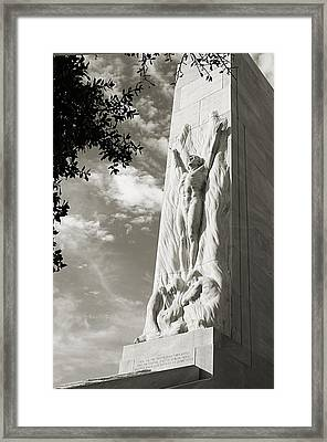 The Alamo Cenotaph In Black And White Framed Print by Sarah Broadmeadow-Thomas