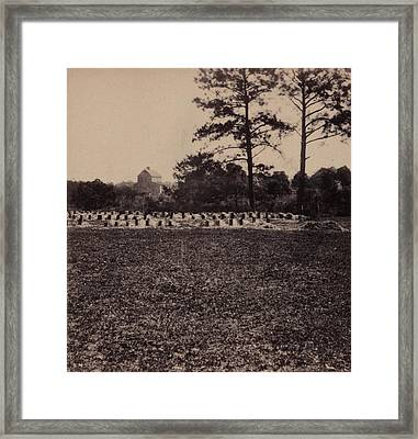 The Civil War, Union Prisoners Burying Framed Print by Everett