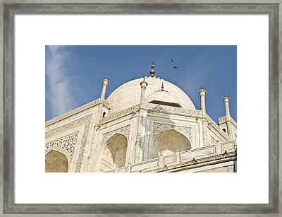 The Dome Of Taj Mahal In The Morning Framed Print by Lori Epstein
