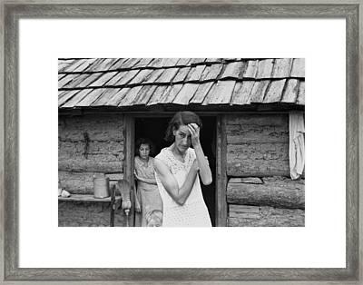 The Family Of Poor Farmer In Boone Framed Print by Everett