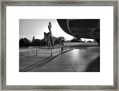 The Hirshhorn Museum II Framed Print by Steven Ainsworth