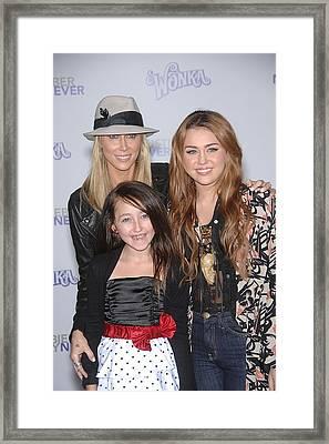 Tish Cyrus, Noah Cyrus, Miley Cyrus Framed Print by Everett