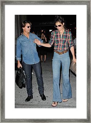 Tom Cruise, Katie Holmes, Enter Framed Print by Everett