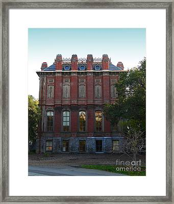 Uc Berkeley . South Hall . Oldest Building At Uc Berkeley . Built 1873 . 7d10053 Framed Print by Wingsdomain Art and Photography