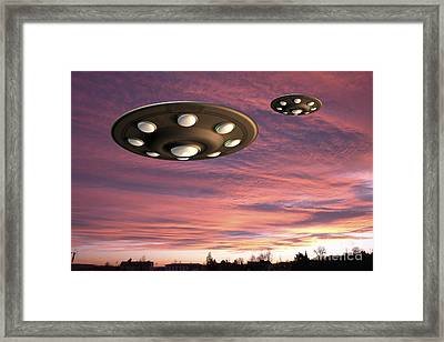 Ufo Landing Framed Print by Friedrich Saurer and Photo Researchers