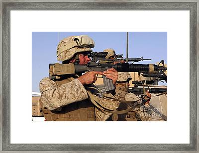 U.s. Marines Sighting Framed Print by Stocktrek Images