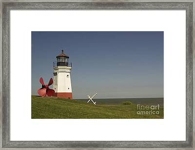 Vermilion Lighthouse - 1287 Framed Print by Chuck Smith