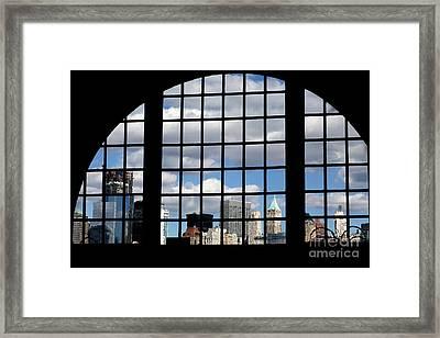 View Of Manhattan Framed Print by Leslie Leda