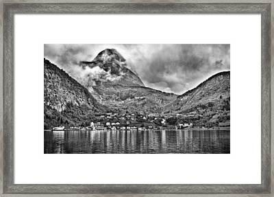 Vinashornet Mountain Framed Print by A A