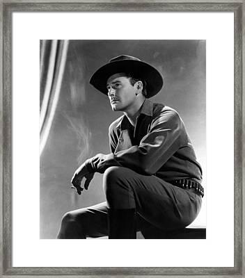 Virginia City, Errol Flynn, 1940 Framed Print by Everett