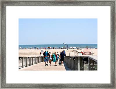 Walking To The Beach Framed Print by Susan Stevenson