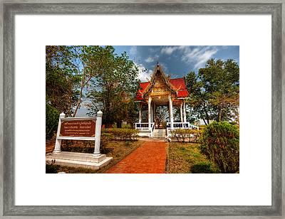 Wat Kham Chanot Framed Print by Adrian Evans
