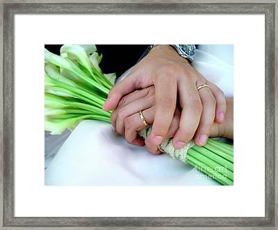 Wedding Rings Framed Print by Carlos Caetano