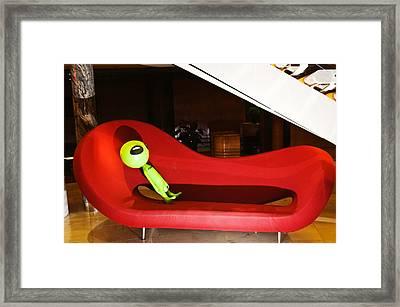 Where's My Shrink Framed Print by Richard Henne