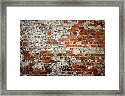 Brick Wall Framed Print by Les Cunliffe