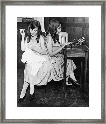 Daisy And Violet Hilton 1908-1969 Framed Print by Everett