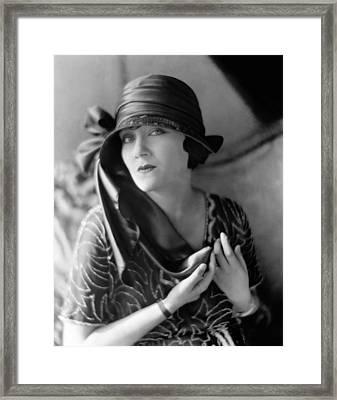 Gloria Swanson, 1921 Framed Print by Everett