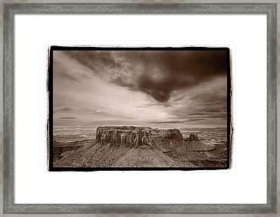 Grandview Canyonlands National Park Utah Framed Print by Steve Gadomski