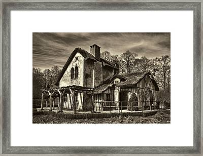 Marie Antoinette Cottage In Versailles Framed Print by David Smith