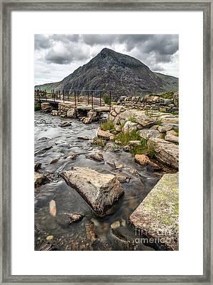 Pen Yr Ole Wen Mountain Framed Print by Adrian Evans