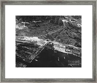 Nagasaki, 1945 Framed Print by Photo Researchers