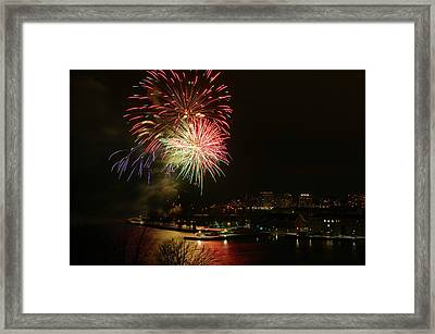 2015 New Years Eve Fireworks Framed Print by Paul Wash