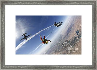 A Military Freefall Parachutist Course Framed Print by Stocktrek Images