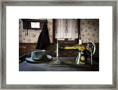 Antique Singer Sewing Machine - Abandoned House Framed Print by Dirk Ercken