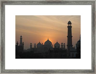 Badshahi Mosque At Sunset, Lahore, Pakistan Framed Print by Daud Farooq