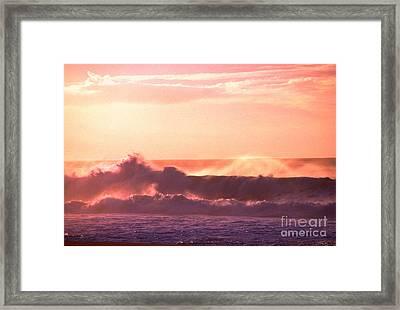Banzai Beach North Shore Framed Print by Thomas R Fletcher