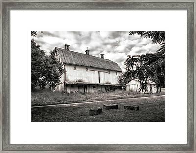 Barn In Black And White Framed Print by Tom Mc Nemar