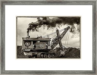 Betty Sue In Bw Framed Print by Paul Freidlund