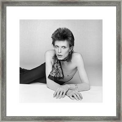 Bowie Diamond Dogs Shoot  Framed Print by Terry O'Neill